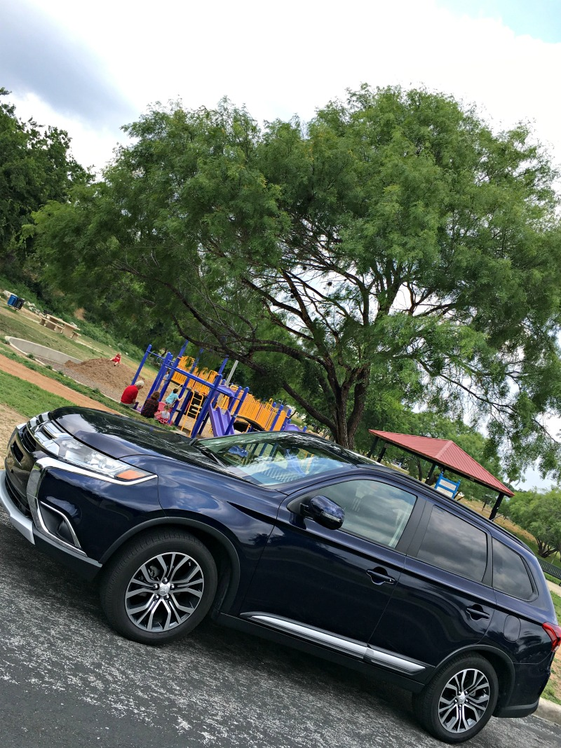 Mitsubishi Outlander SEL Car Review - QueMeansWhat