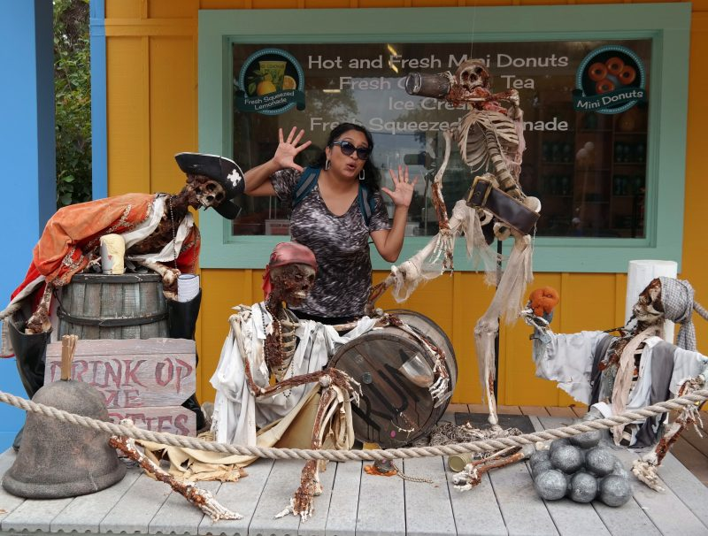 Sea-Worlds-Halloween-Spooktacular-Que-Means-What